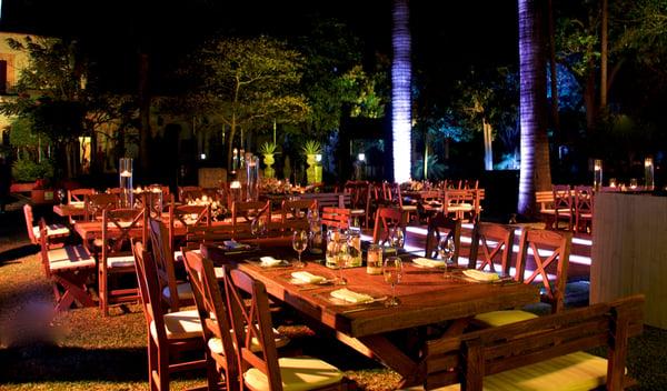 Iluminación para una boda nocturna en Casa Sauza