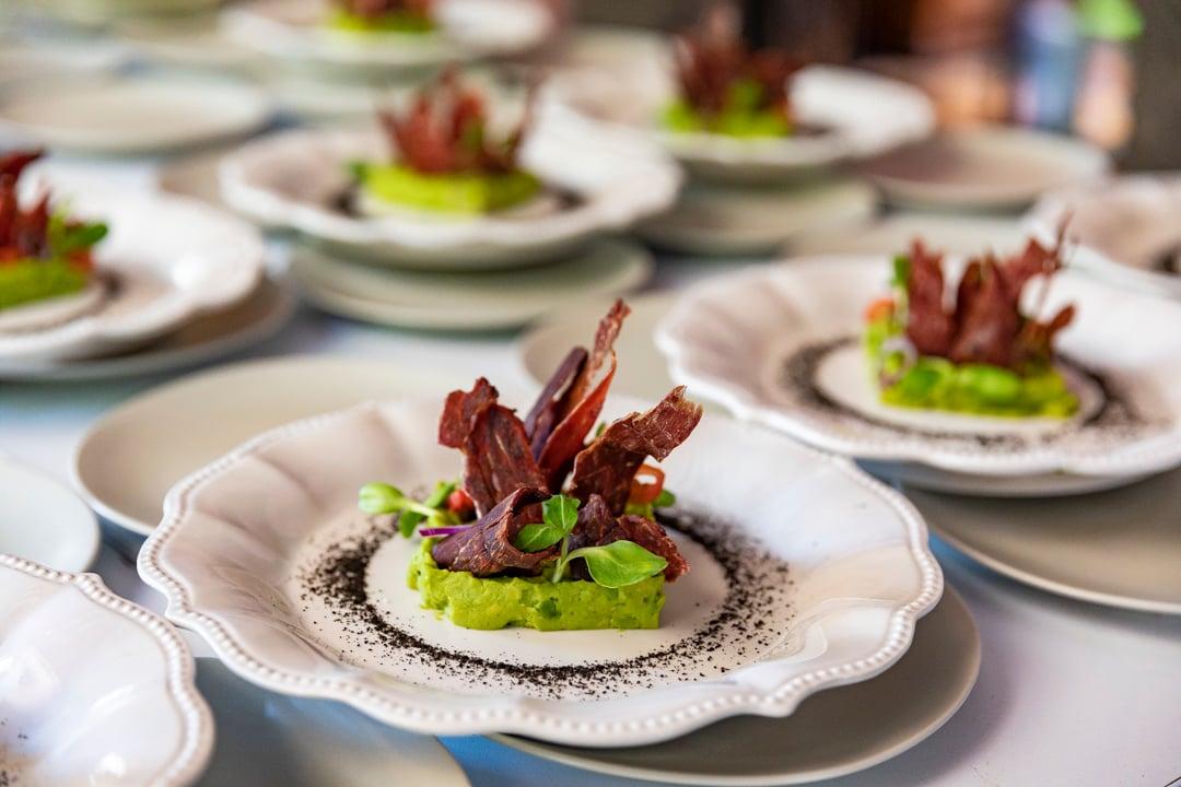 platillos restaurant guacamole y cecina
